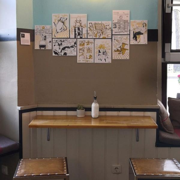 Thumbnail for Im Café